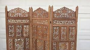 GORGEOUS CARVED ROOM DIVIDER/SCREEN,GC Greenslopes Brisbane South West Preview