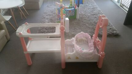 Baby bath & bed set Springfield Ipswich City Preview