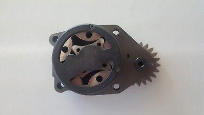 (New Mopar 68002975AA Engine Oil Pump)