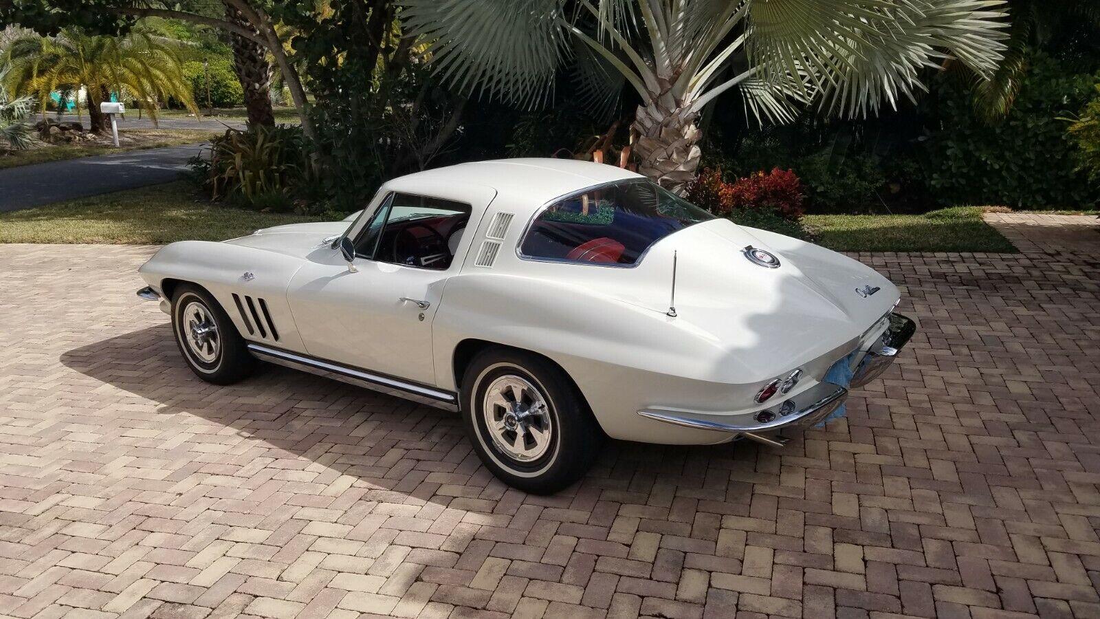 1965  Chevrolet Corvette     C2 Corvette Photo 1