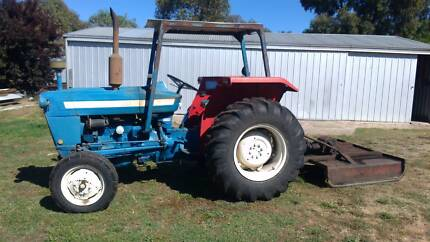 Ford 3000 tractor and slasher