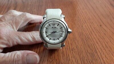 Oakley Holeshot Small Womens Watch Three-Hand Leather (Oakley Womens Watches)