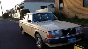 1982 Volvo 244GL - Low Kilometers Stanley Circular Head Preview