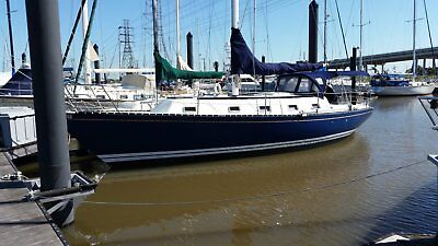 1980 Hunter 37' Sailboat - Excellent Condition