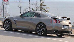 2009 Nissan GT-R premium rare titanium color skyline