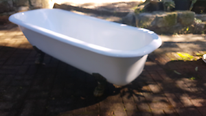 Claw foot bath Woonona Wollongong Area Preview