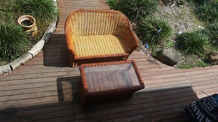 2 peice outdoor cane setting  Browns Plains Logan Area Preview