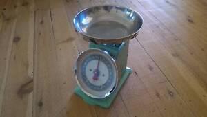 Green retro kitchen scales Kotara Newcastle Area Preview