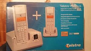 Tesltra 7900a + 1 digital DECT cordless telephone with dextension Newport Hobsons Bay Area Preview