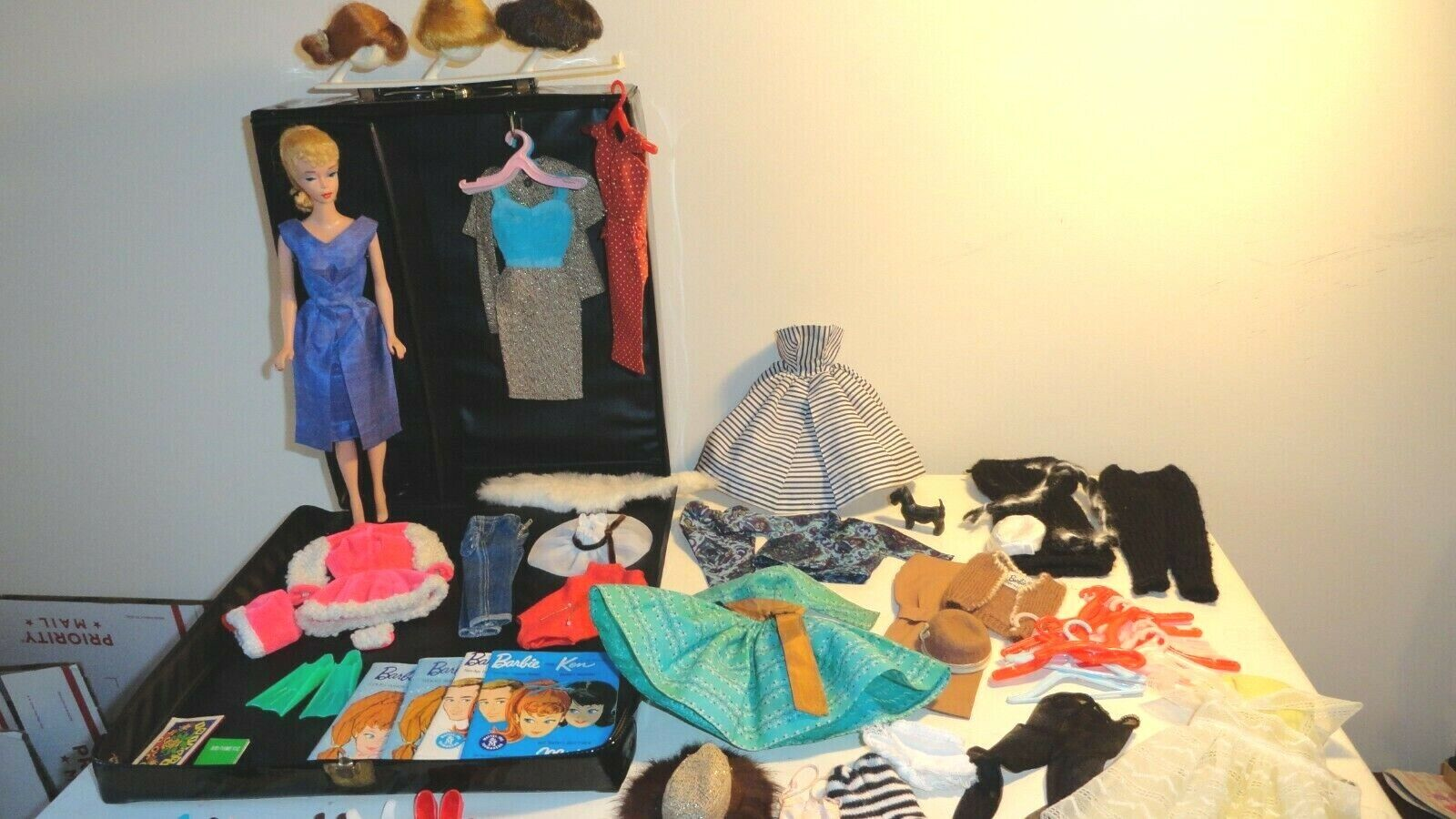 Vintage BARBIE 4 Case LOT, Clothes, Shoes, Accessories Some TLC Clean Early 60s - $341.99