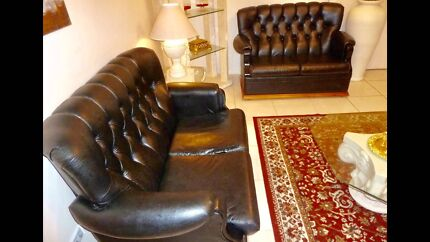 BLACK LEATHER CHESTERFIELD GREAT CONDITION
