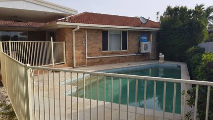 Room for rent in a house with pool