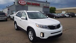 2015 Kia Sorento LX Premium PST Paid - Local Trade - Leather...