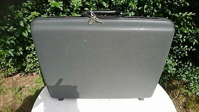 Samsonite Suitcase With 2 Keys Grey