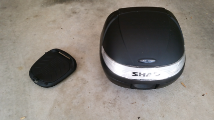 Shad SH29 Motorcycle top case/box + mount