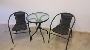 Outdoor table with 2 chairs North Plympton West Torrens Area Preview