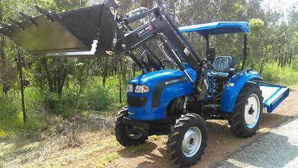 EUROLEOPARD 454 TRACTOR WITH 4 in 1 FRONT END LOADER