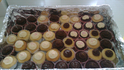 DELIVERY FREE NORTH SIDE cupcakes