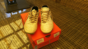 Nike soccer boots US 8.5 Blackmans Bay Kingborough Area Preview