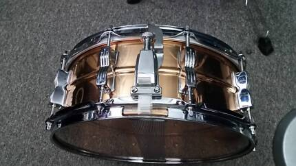 """Ludwig 5"""" x 14"""" Bronze snare drum"""