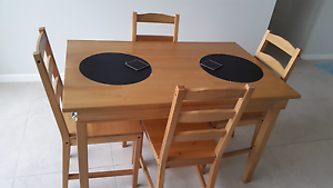 Table and 4 chairs Kangaroo Point Brisbane South East Preview