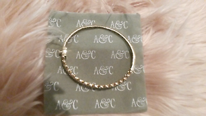 SOLID 9CT DIAMOND & GOLD BANGLE FREE SIZE AS NEW Canning Vale Canning Area Preview