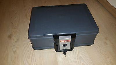 First Alert 2013FE Dokumentenbox 4,9 Liter A5 feuerfeste wasserdichte Kassette online kaufen