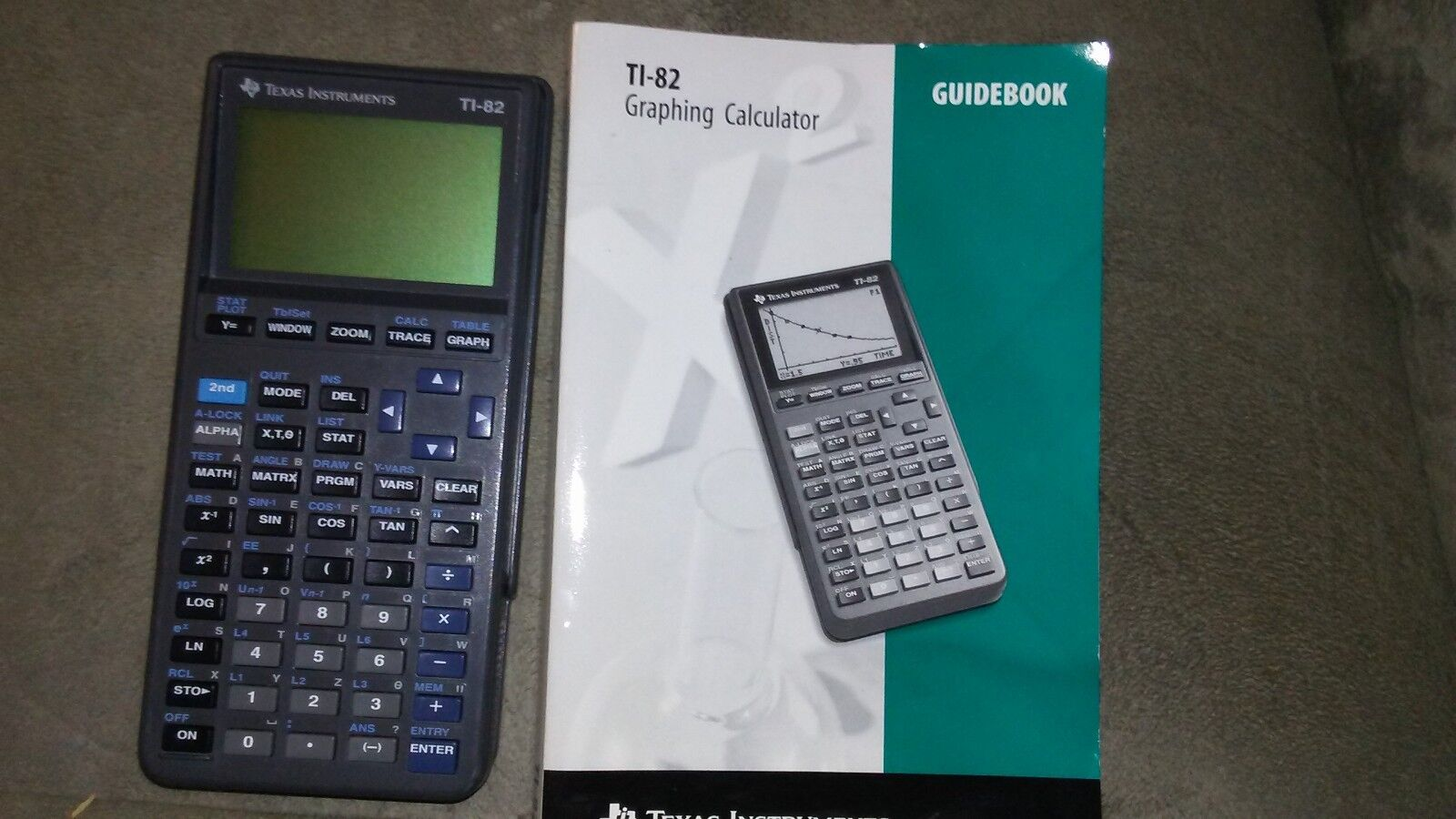 Texas Instruments TI-82 Graphing Calculator,Cover & Guidebook Good FREE SHIPPING