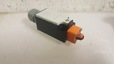 Siemens Limit Switch, # 3SE3 200-7D, Used, WARRANTY