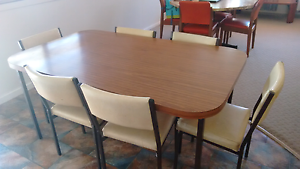 Dining table and six chairs Tenterfield Tenterfield Area Preview