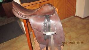 dressage/ show saddle Warnervale Wyong Area Preview