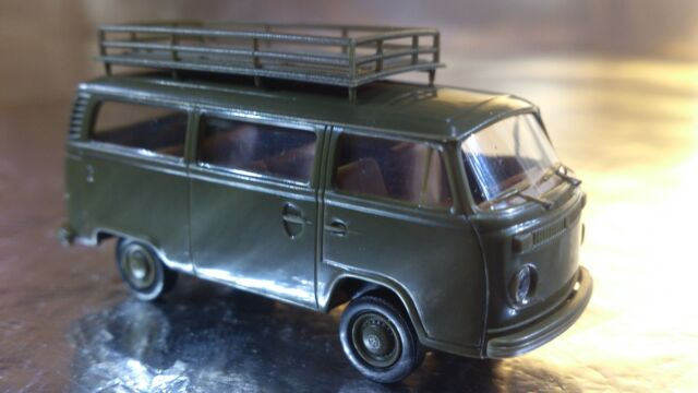 * Brekina 33171 VW T2 Military Bus with large Roof Rack 1:87 HO Scale