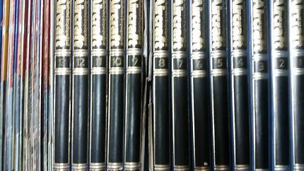 THE ILLUSTRATED ENCYCLOPEDIA OF AIRCRAFT. 18 Binders. 212 issues