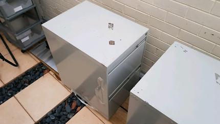 filing cabinets good conditiom