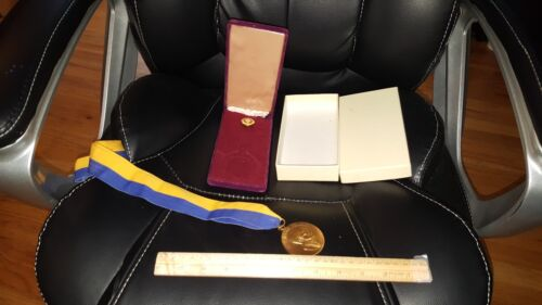 VINTAGE PAUL HARRIS ROTARY INTERNATIONAL MEDAL wit PIN IN ORIGINAL CASE & BOX