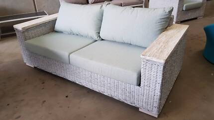 ATLANTA KUBU 3 SEATER WITH TEAK BEACH WASH ARMS