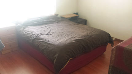 Fully furnished room available. Including bills and wifi.