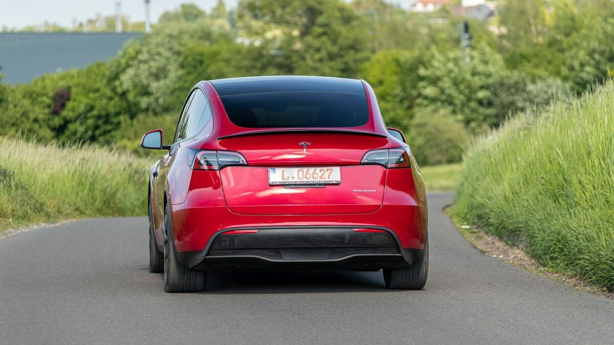 Tesla Model Y (2021) in Heckansicht