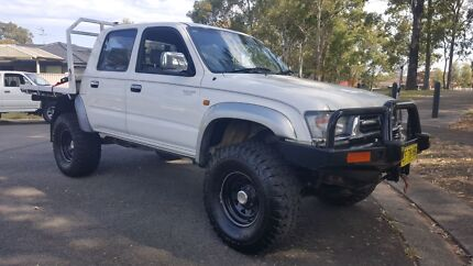 Turbo diesel toyota hilux sr5 11 months reg & lots of extras Wetherill Park Fairfield Area Preview