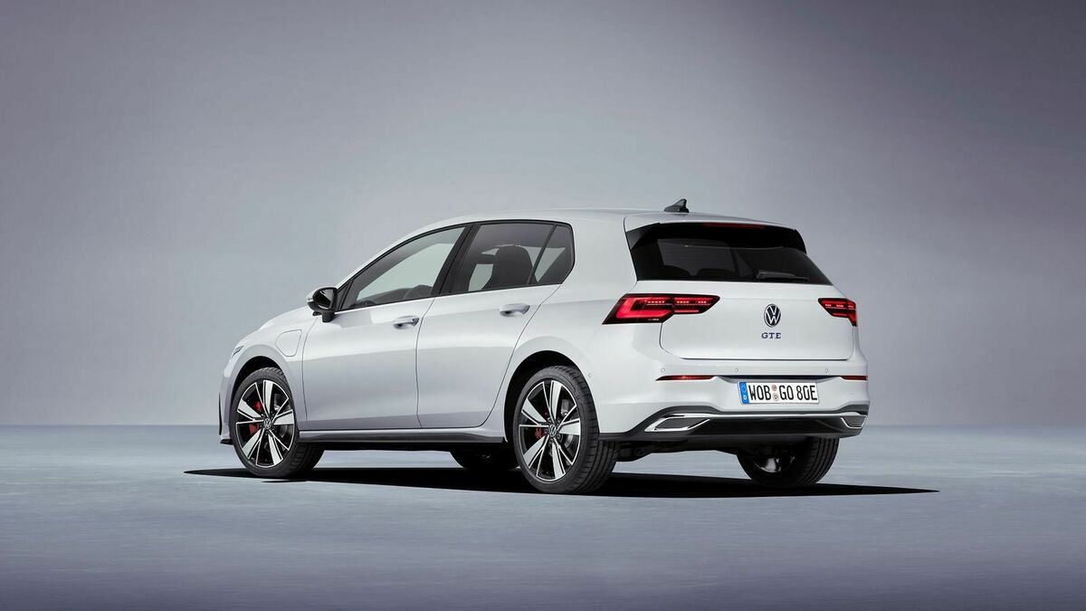 VW Golf 8 GTE 2