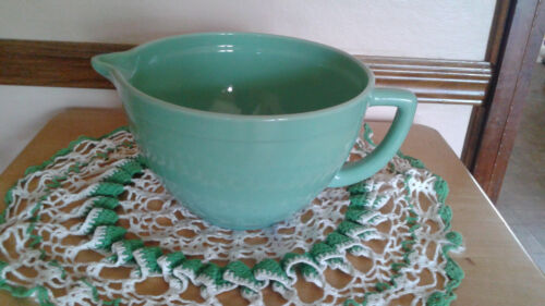 Green Jadeite Anchor Hocking Fire King 2000 Mixing Bowl