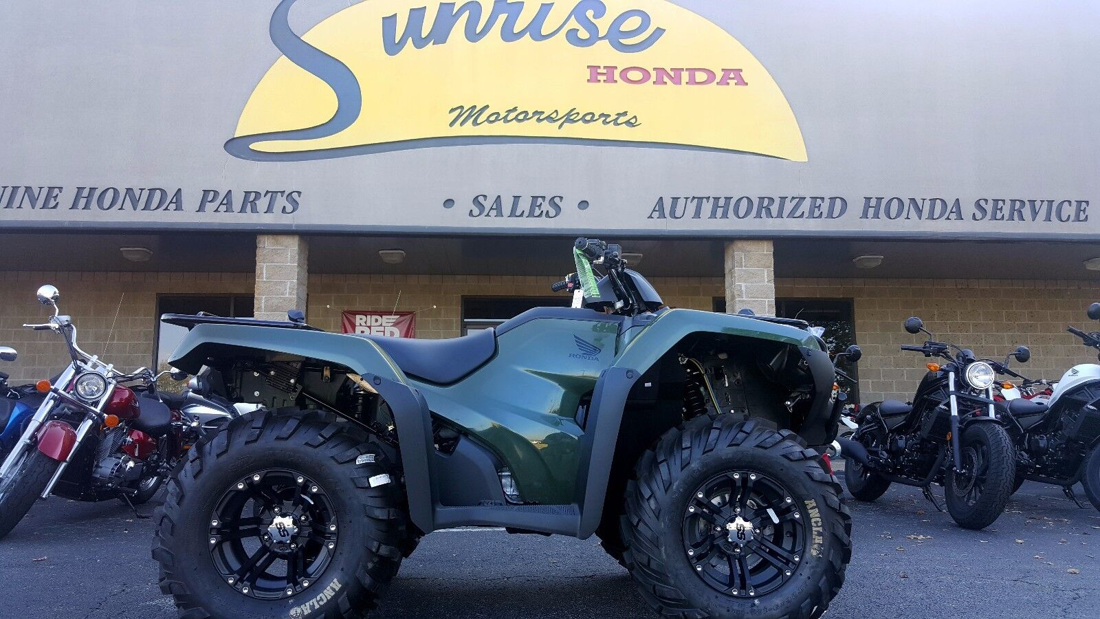 NEW 2017 Honda Rancher 4x4 foot shift GREEN with Winch and Mud Tires