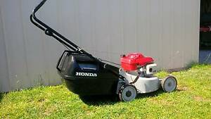 HONDA  LAWNMOWER 4 stroke Eazy Start! Great Condition Cranbourne East Casey Area Preview