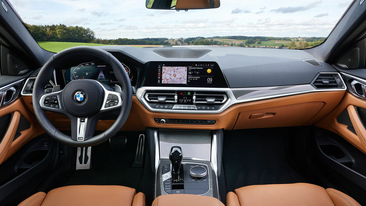 BMW M440i xDrive Cockpit