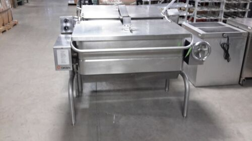 Used Groen HFP/2/4 40-Gallon Natural Gas Tilting Skillet Braising Pan