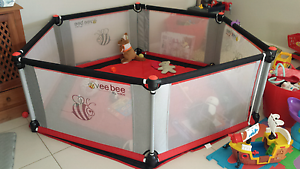 Valco Vee Bee 6 sided play pen Fletcher Newcastle Area Preview