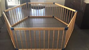 Wooden baby/kids play pen Baldivis Rockingham Area Preview