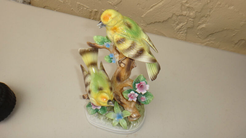 Royal Crown Robins Birds on Branch w Flowers Figurine Made in  Japan