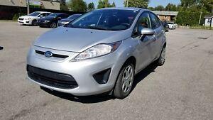 Ford Fiesta SE 2013 hatchback / Groupe électrique / Air climatis