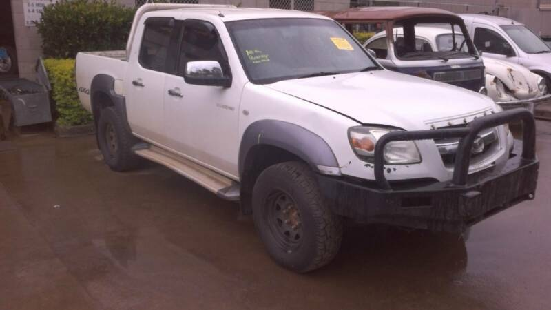 Mazda bt 50 2008 4x4 turbo diesel manualbull bar now wrecking 1 of 4 fandeluxe Image collections